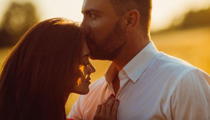 ti-as-saruta-ochii-in-fiecare-dimineata